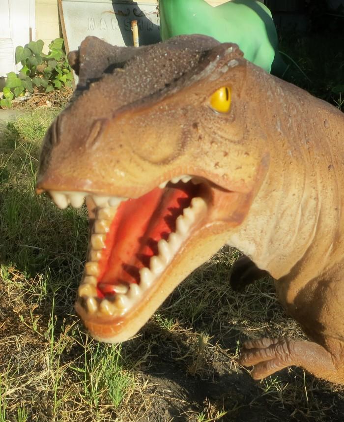 Tyrannosaurus statue 2