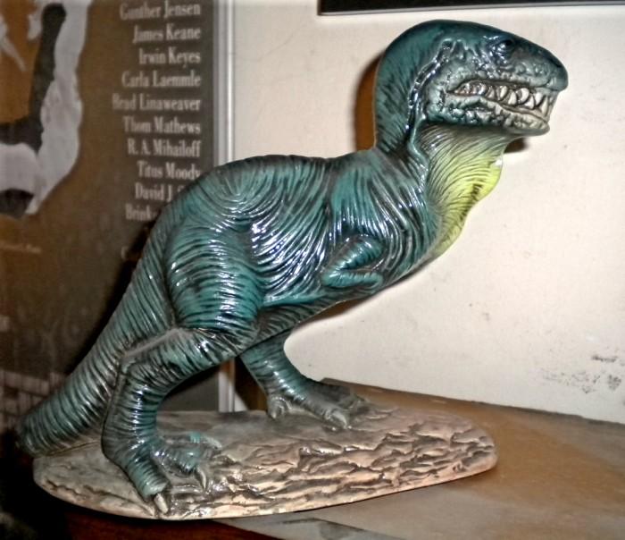 ceramic-Tyrannosaurus2-700x604