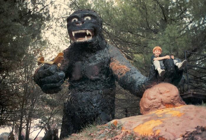 prehistoric-gorilla-Dinosaur-Land