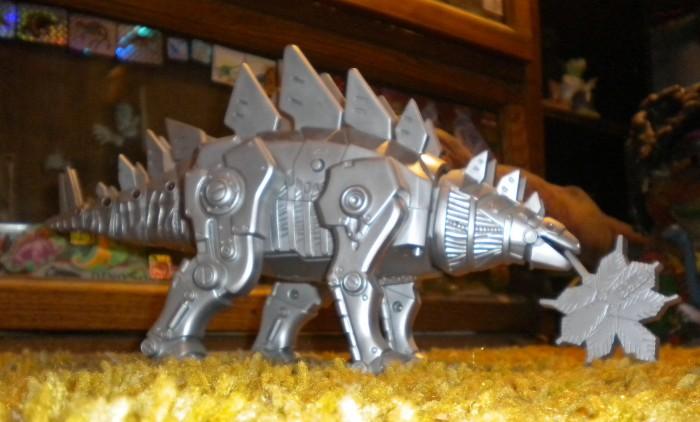 mechanical-Stegosaurus-700x422