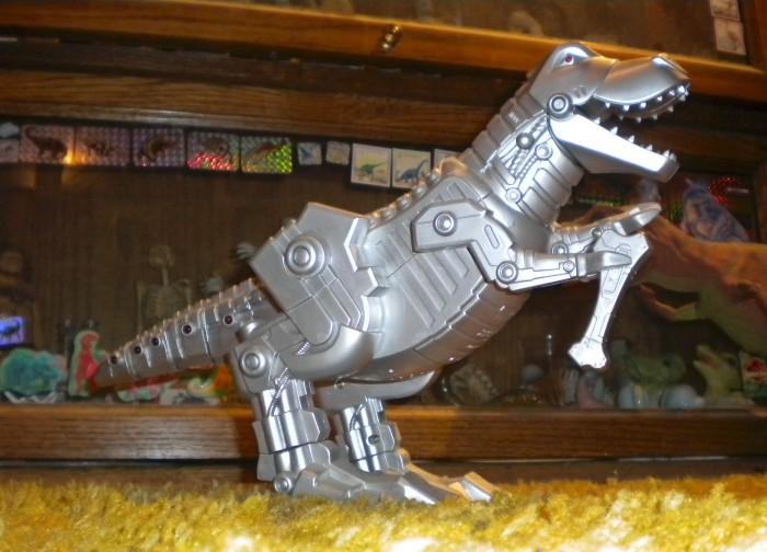 mechanical-Tyrannosaurus-700x504