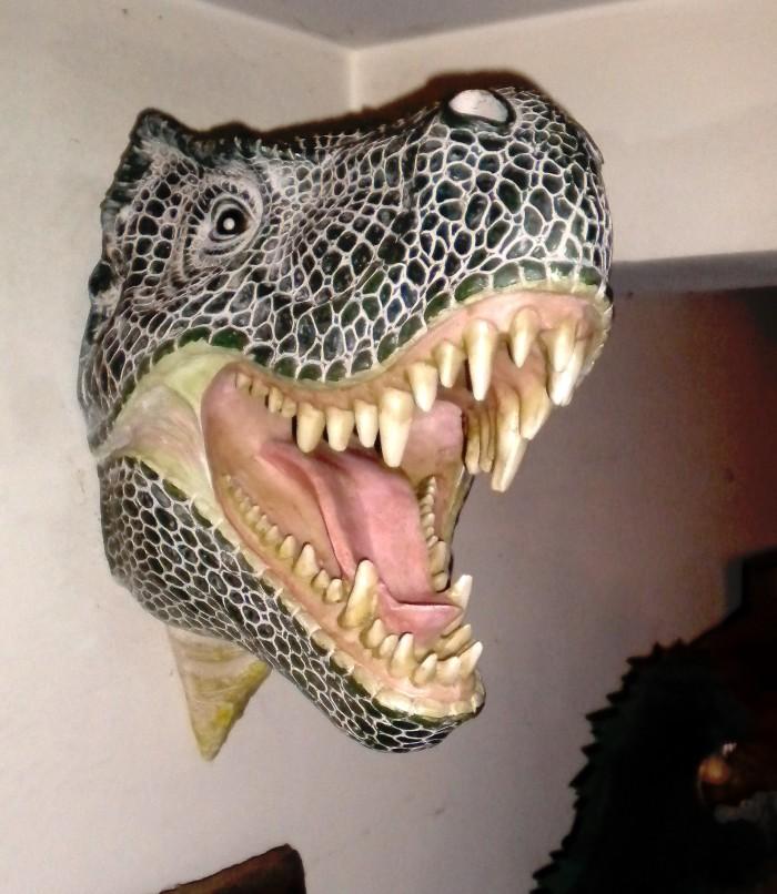 Tyrannosaurus-rex-wall-bust-