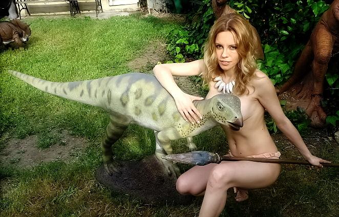 hypsilophodont-statue2-700x464