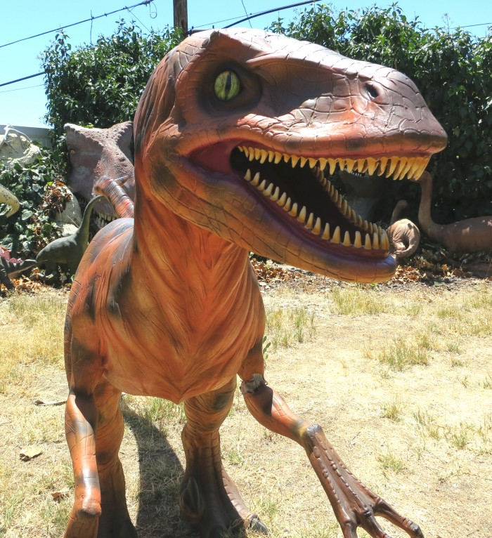Deinonychus statue 3