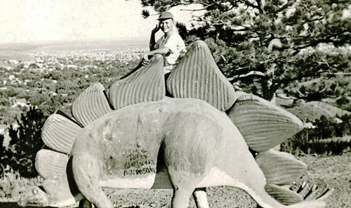 Stegosaurus figure