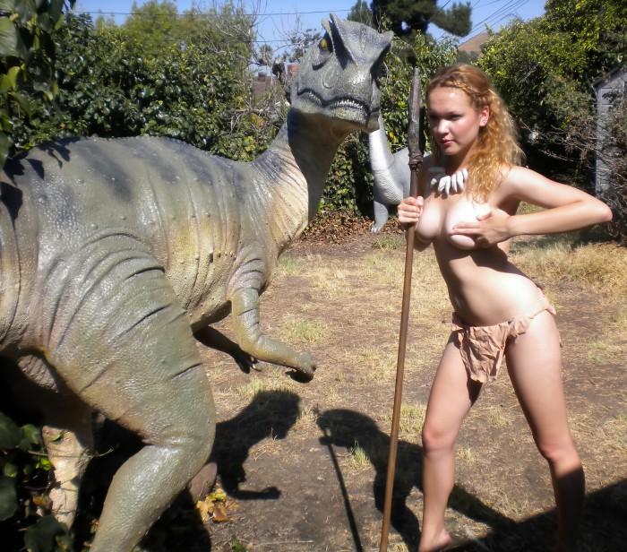 Allosaurus garden statue