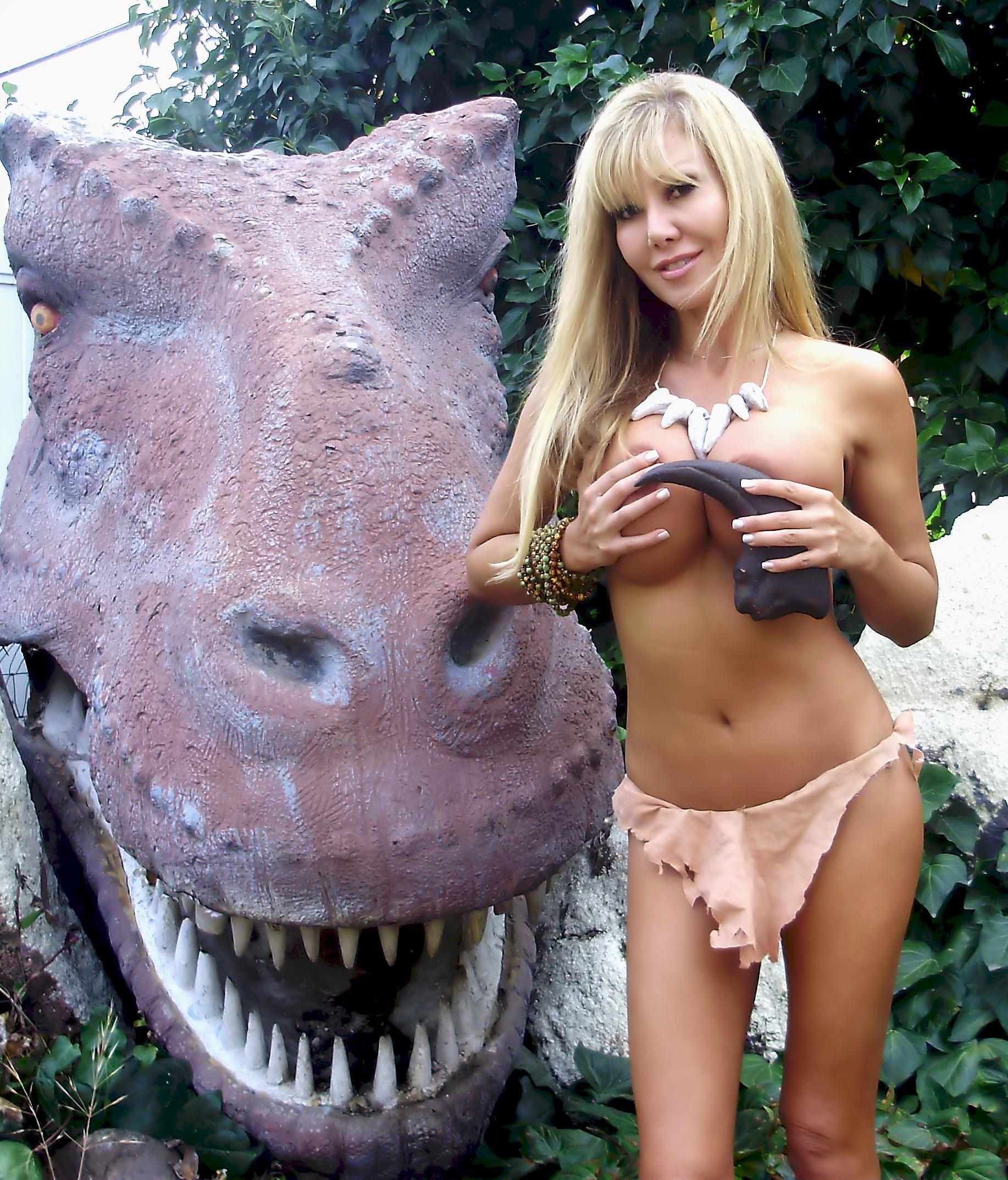http://donglutsdinosaurs.com/wp-content/uploads/2014/09/Jonas-head1.jpg