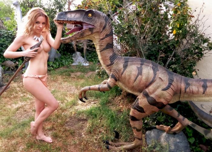 Velociraptor outdoor statue
