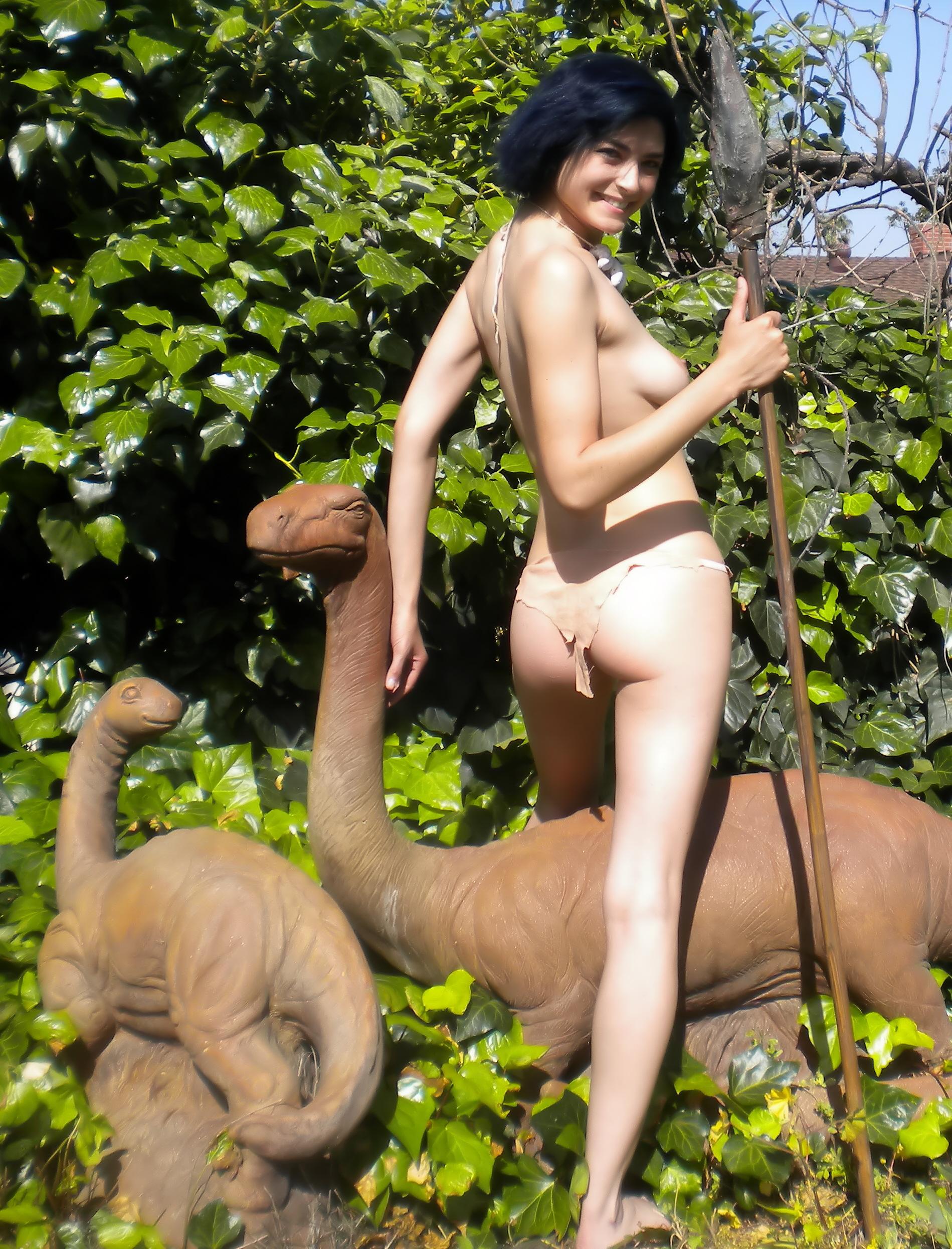 http://donglutsdinosaurs.com/wp-content/uploads/2014/09/cement-sauropods.jpg